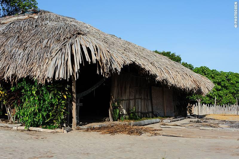 Fisherman's hut in Lençois Maranhenses, Brazil (©Coen Wubbels)