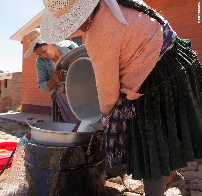 Women Empowerment Project Producing Yoghurt in Bolivia (©photocoen)