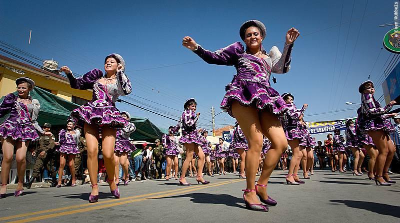Caporales Dance during the Urkupiña Festival in Bolivia (©photocoen)