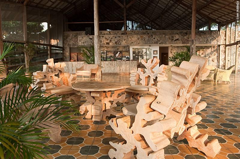 Lounge of Pakaas Jungle Lodge, Brazil (©photocoen)