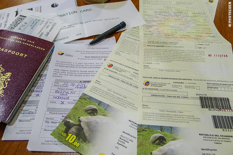 Paperwork for the Galápagos Islands (©photocoen)