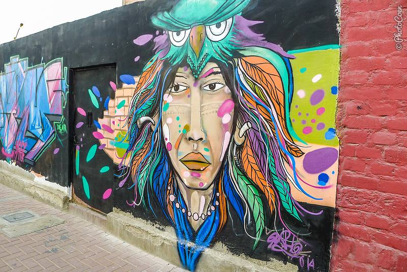 Slow travel in Huanchaco - strolling the streets and admiring street art.