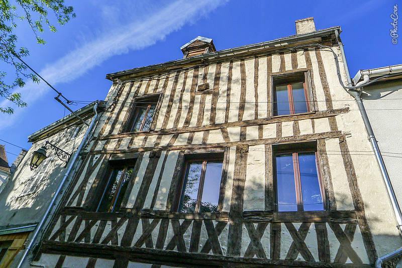 Fachwerkhouse in the old quarter of St Vorles.