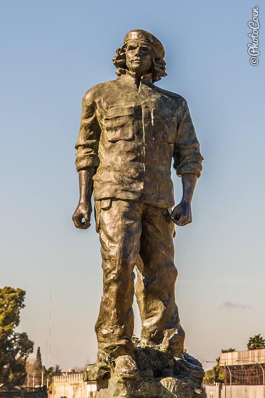 Che Guevara Statue in Rosario (©photocoen)