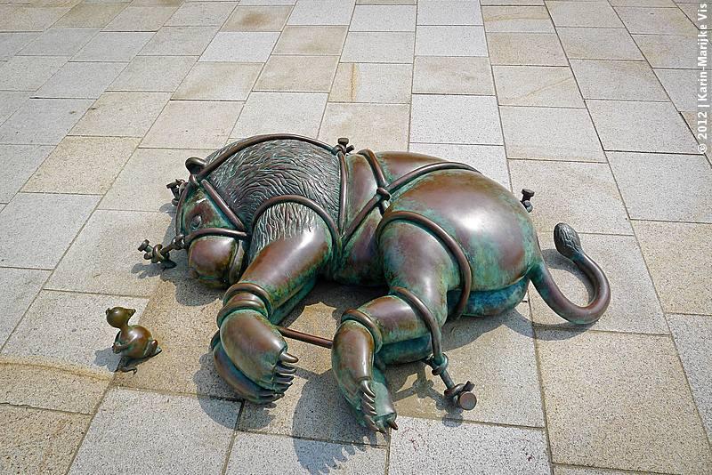 Tom Otterness Sculptures, Scheveningen - fairy tales