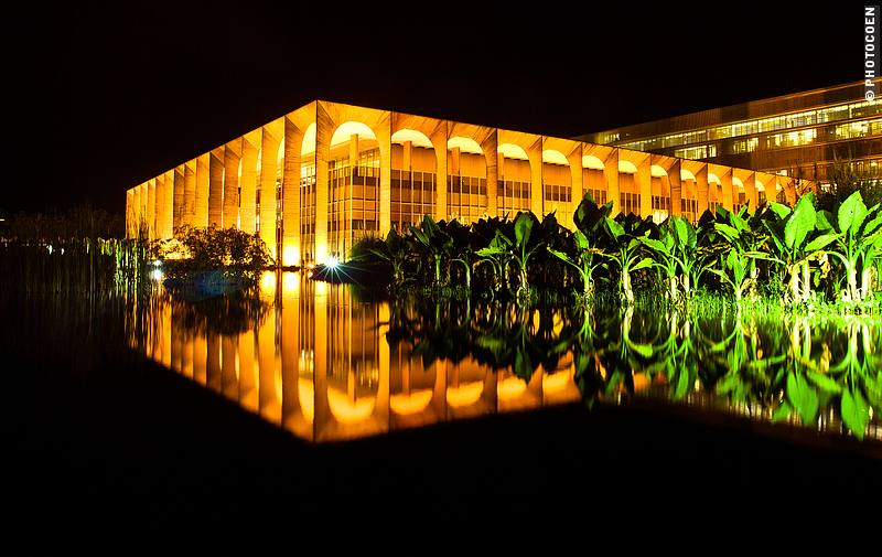 Touring Brasília's Architecture at night - here, the ministry of Foreign Affairs.